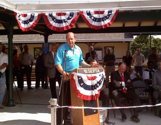 R5RibbonCutting_June2010
